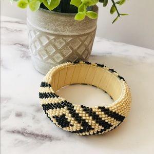 Jewelry - Beaded Black & White Bangle